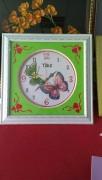 khung đồng hồ hai con bướm
